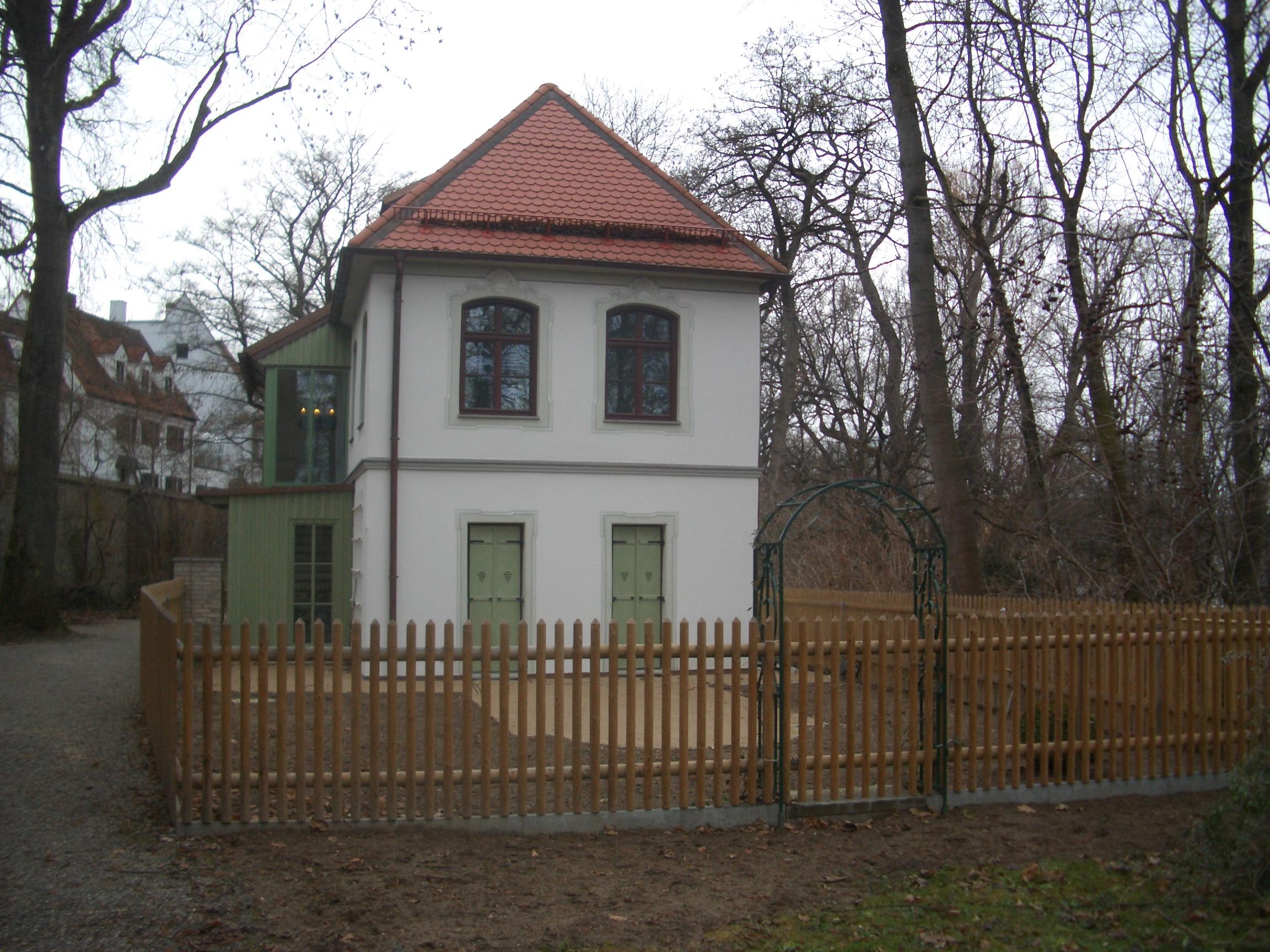 Kleingartenidylle im historischen Verdeitigungswall