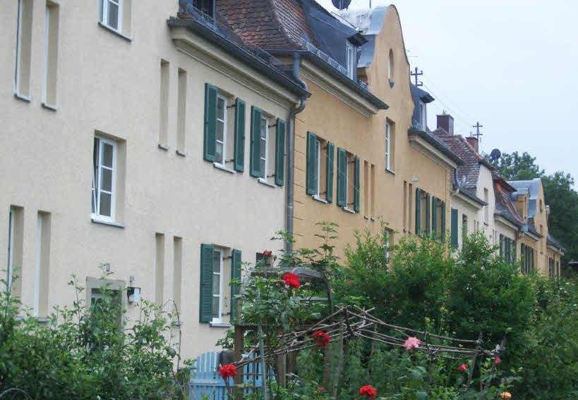 Rückseite der Wohnungen mit Gärten (wird abgerissen!)