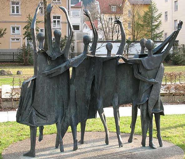 Theo Bechtler Tanzfiguration in der Hofgartenanlage (1970)