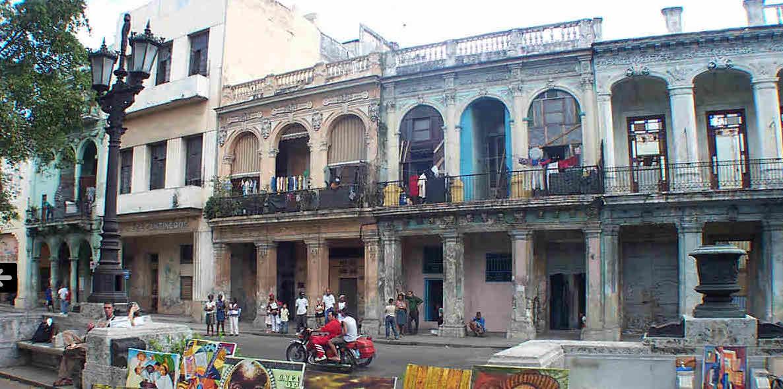 Bewohnte Ruinen in Havanna