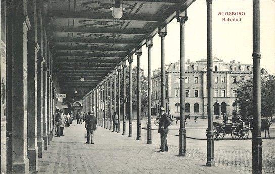 Die Vorhalle des Haupbahnhofs von Bürklein um 1900