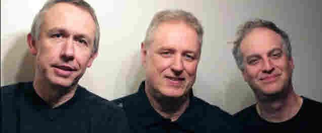 Trio MojazzArt  -  Bernd Haselmann  (piano),  Andreas Traub (bass)  und Markus Halder (drums).