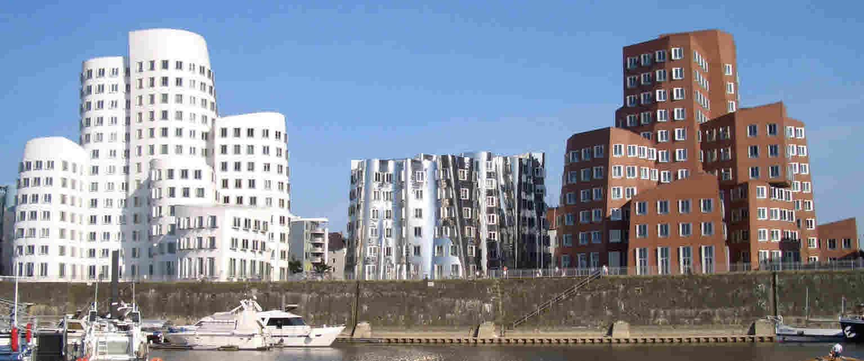 Neuer Zollhof Düsseldorf Medienhafen 1997-1999